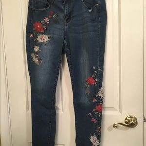Sandpiper floral embroidered skinny jeans